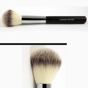 KROMA® Cosmetic Brushes_PowderDeluxe